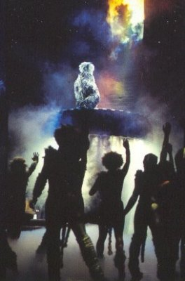 Grizabella ascends to the Heaviside Layer