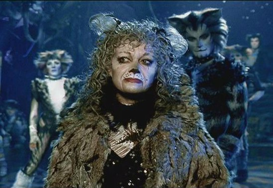 Elaine Paige as Grizabella in Cats the video