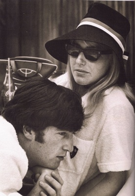 John Lennon & Cynthia Lennon the Beatles U.S. tour