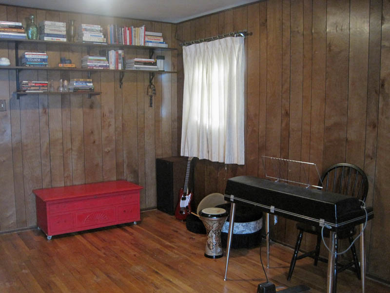 bedroom music room